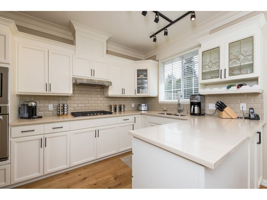 """Photo 12: Photos: 31 2688 150 Street in Surrey: Sunnyside Park Surrey Townhouse for sale in """"Westmoor"""" (South Surrey White Rock)  : MLS®# R2256437"""
