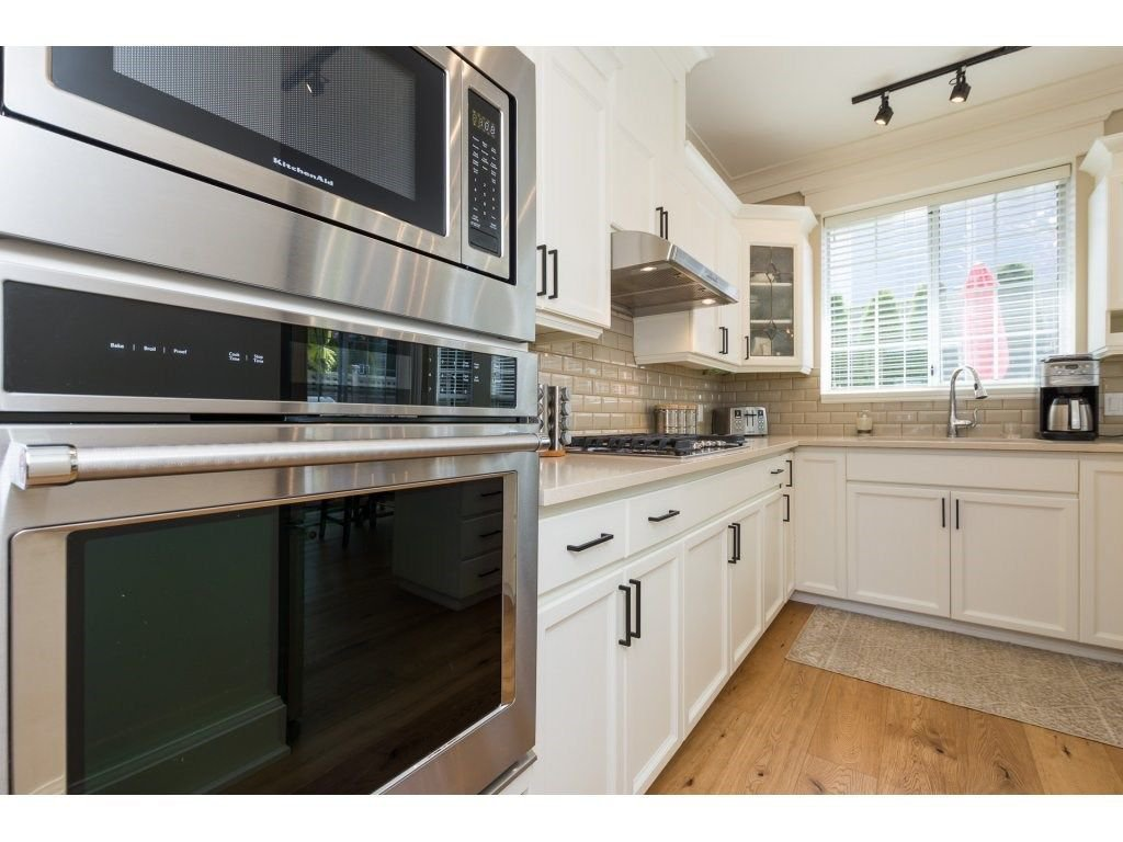 """Photo 13: Photos: 31 2688 150 Street in Surrey: Sunnyside Park Surrey Townhouse for sale in """"Westmoor"""" (South Surrey White Rock)  : MLS®# R2256437"""