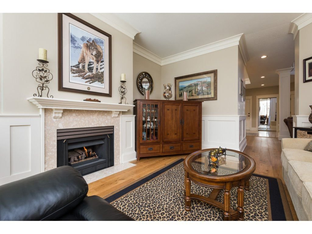 """Photo 9: Photos: 31 2688 150 Street in Surrey: Sunnyside Park Surrey Townhouse for sale in """"Westmoor"""" (South Surrey White Rock)  : MLS®# R2256437"""