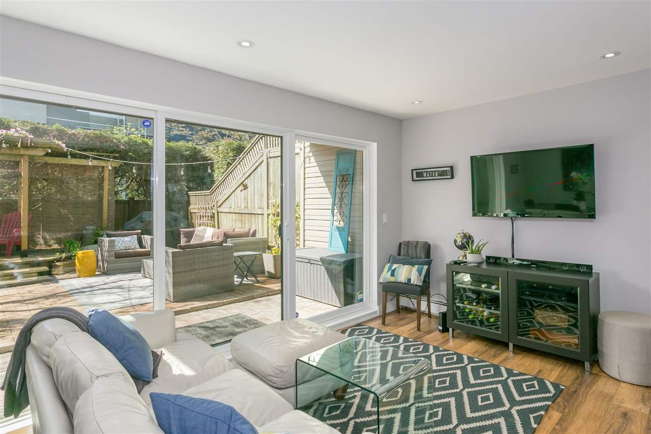 "Photo 2: Photos: 107 2416 W 3RD Avenue in Vancouver: Kitsilano Condo for sale in ""Landmark Reef"" (Vancouver West)  : MLS®# R2262519"