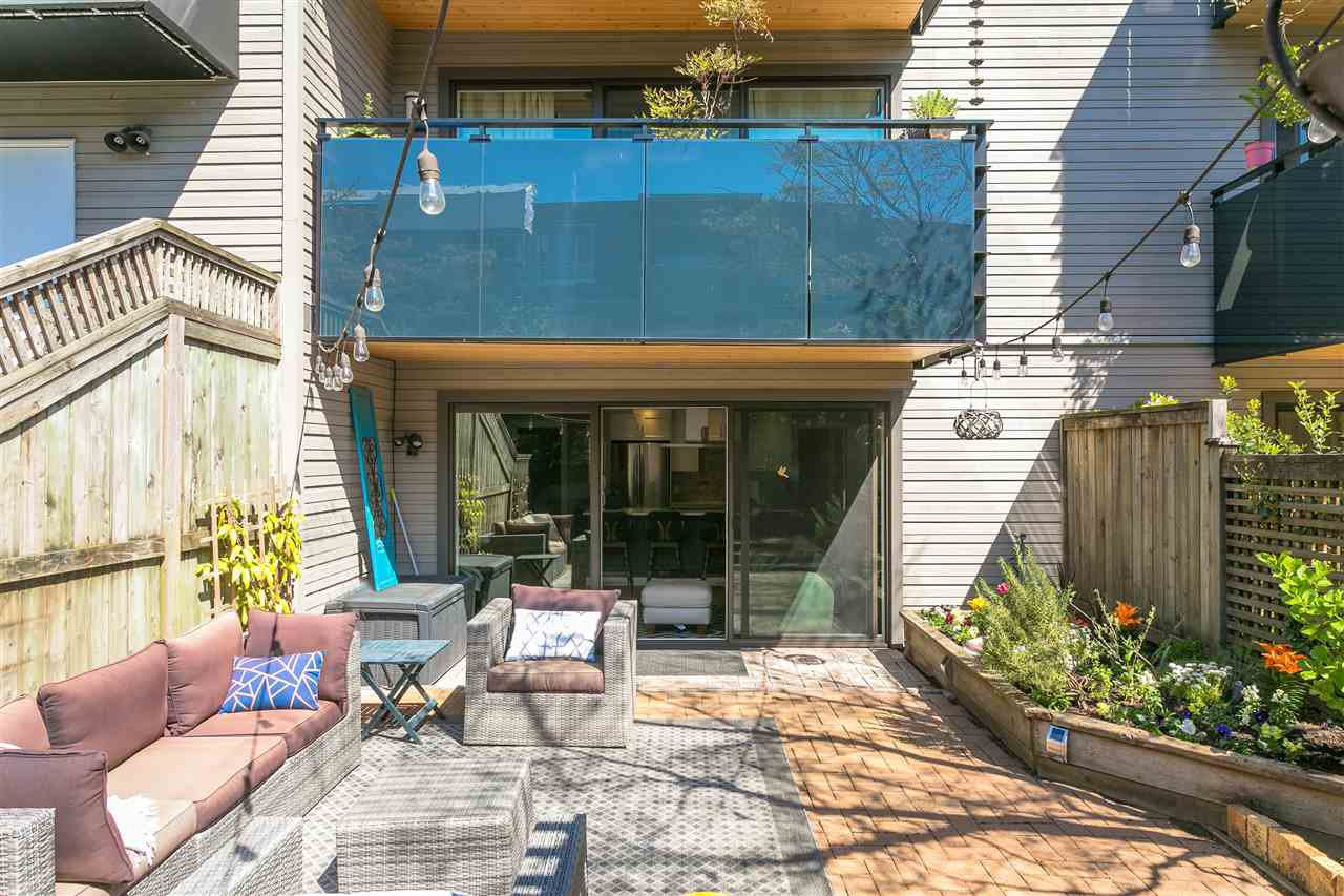 "Photo 14: Photos: 107 2416 W 3RD Avenue in Vancouver: Kitsilano Condo for sale in ""Landmark Reef"" (Vancouver West)  : MLS®# R2262519"