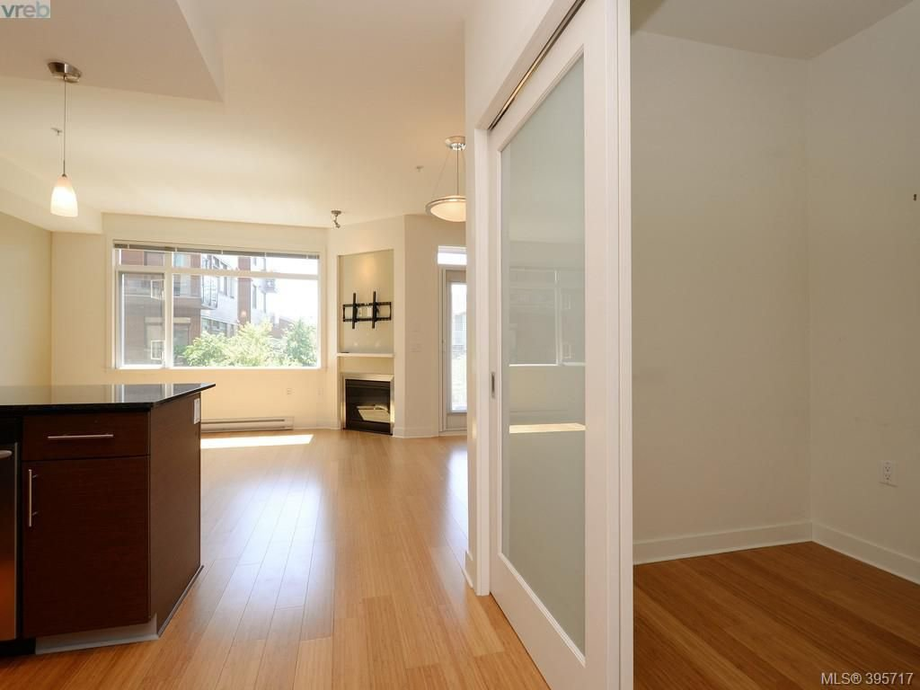 Photo 17: Photos: 203 3614 Richmond Road in VICTORIA: SE Mt Tolmie Condo Apartment for sale (Saanich East)  : MLS®# 395717