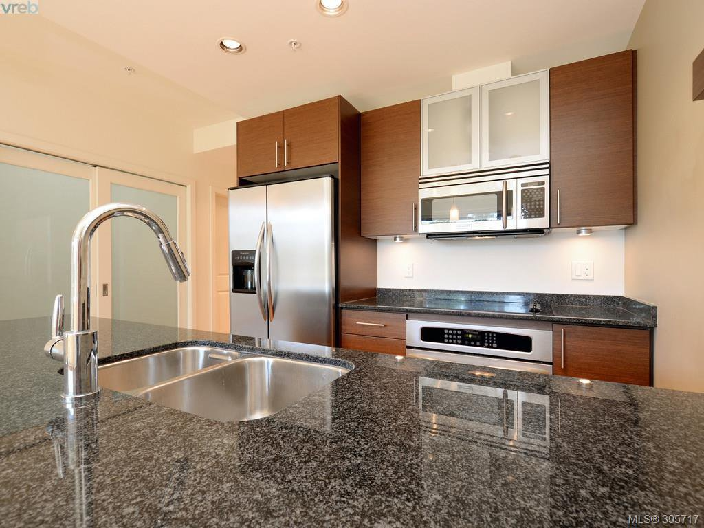 Photo 11: Photos: 203 3614 Richmond Road in VICTORIA: SE Mt Tolmie Condo Apartment for sale (Saanich East)  : MLS®# 395717