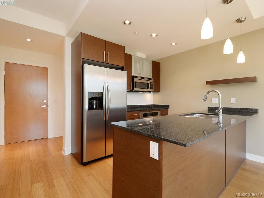 Photo 2: Photos: 203 3614 Richmond Road in VICTORIA: SE Mt Tolmie Condo Apartment for sale (Saanich East)  : MLS®# 395717