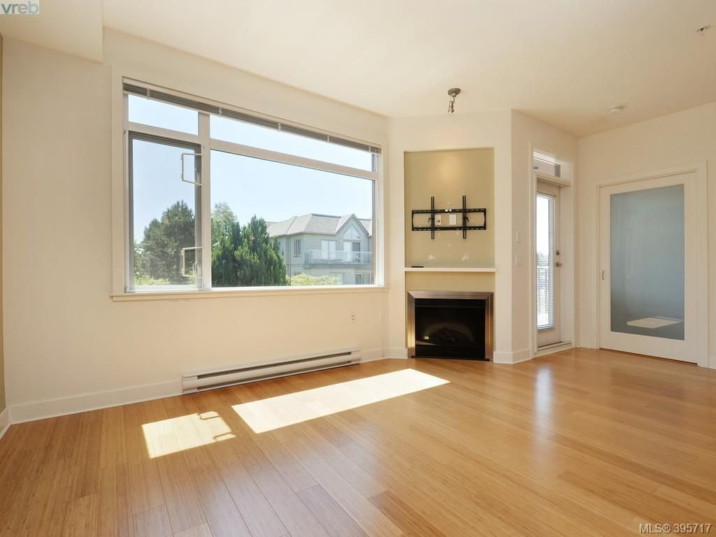 Photo 4: Photos: 203 3614 Richmond Road in VICTORIA: SE Mt Tolmie Condo Apartment for sale (Saanich East)  : MLS®# 395717
