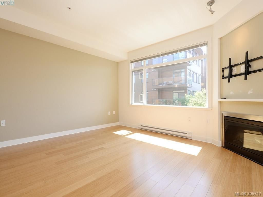 Photo 3: Photos: 203 3614 Richmond Road in VICTORIA: SE Mt Tolmie Condo Apartment for sale (Saanich East)  : MLS®# 395717