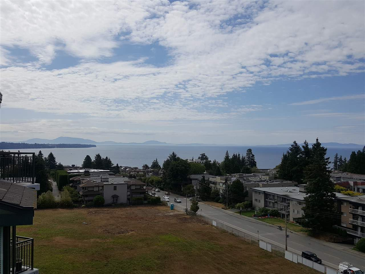 Main Photo: 703 1551 FOSTER Street: White Rock Condo for sale (South Surrey White Rock)  : MLS®# R2301559
