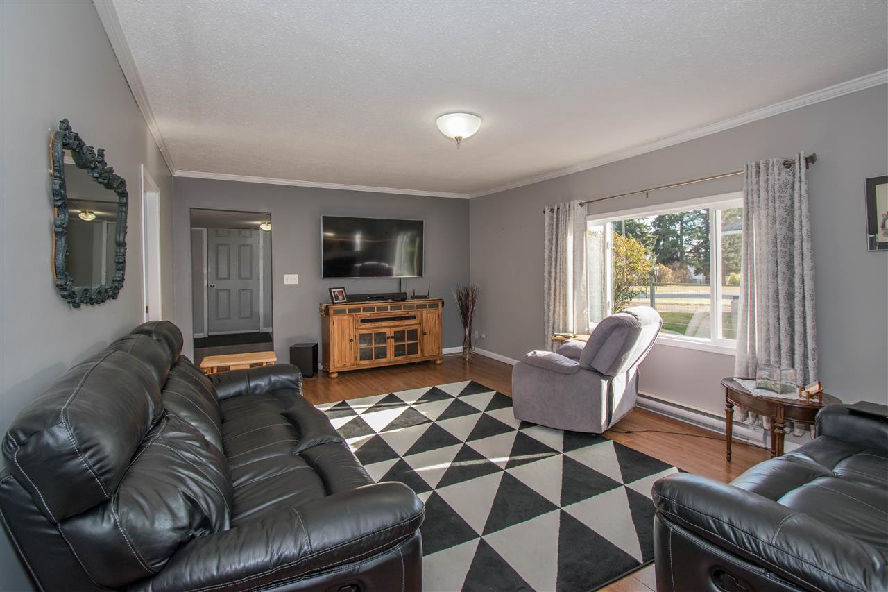 Photo 4: Photos: 4019 BROADWAY Avenue in Smithers: Smithers - Town House for sale (Smithers And Area (Zone 54))  : MLS®# R2315953