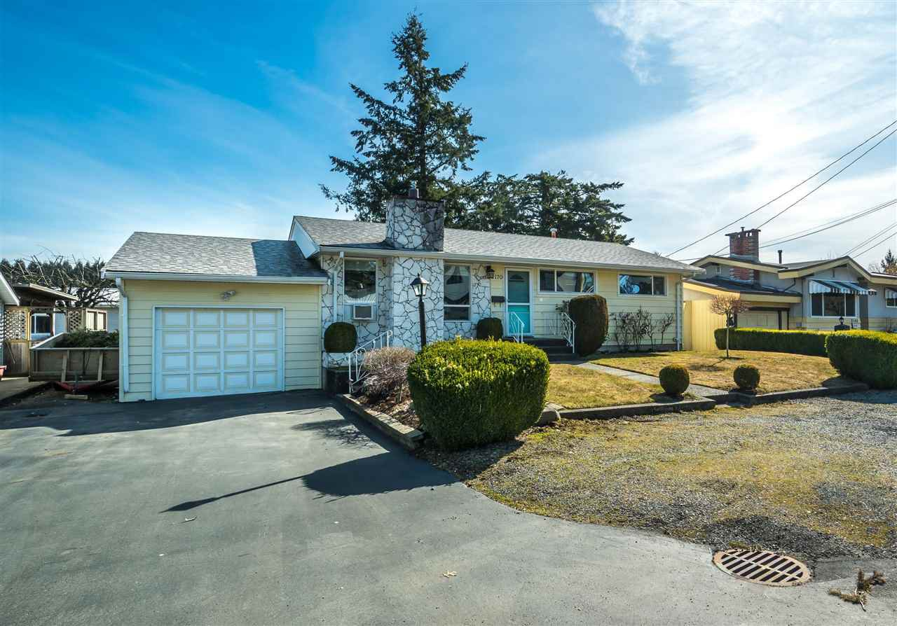 "Main Photo: 2170 WILEROSE Street in Abbotsford: Central Abbotsford House for sale in ""Mill Lake"" : MLS®# R2349251"