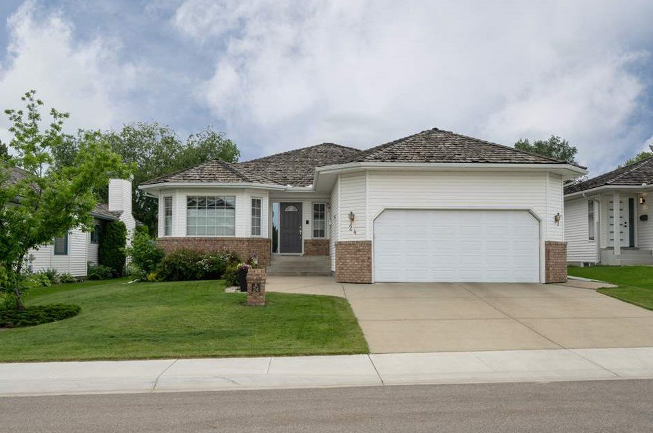 Main Photo: 24 NORFOLK Bay: Sherwood Park House for sale : MLS®# E4163490
