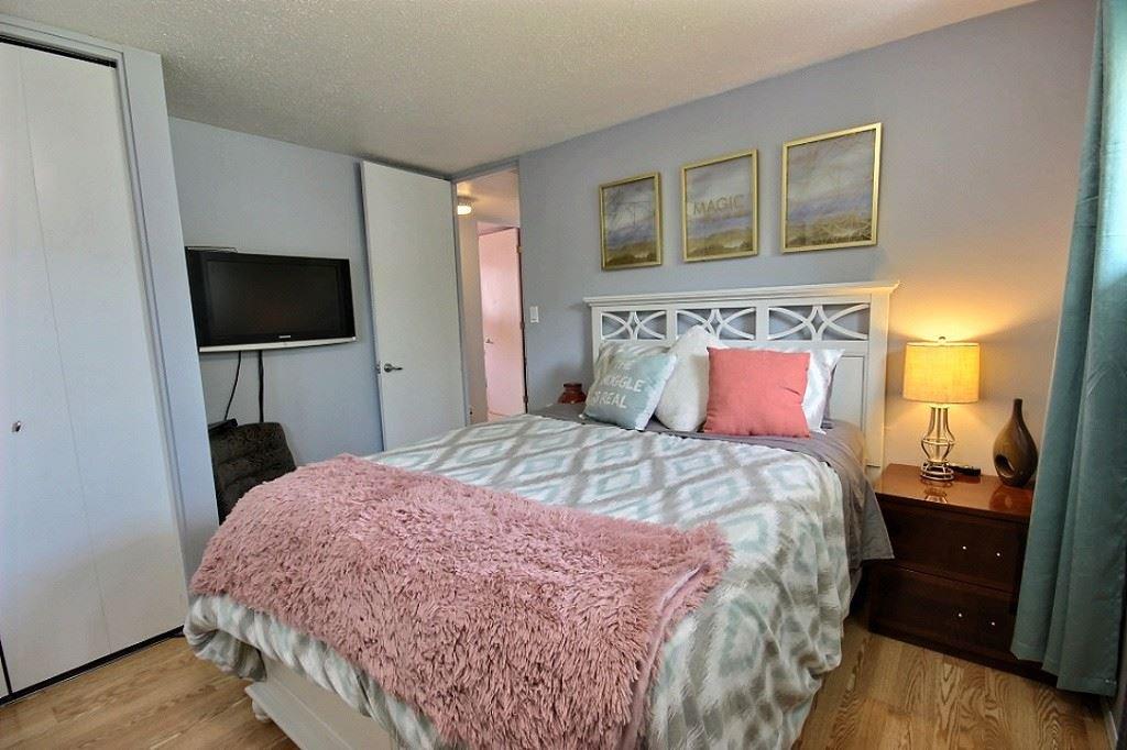 Main Photo: 33 SUNSET Boulevard: St. Albert House for sale : MLS®# E4164244
