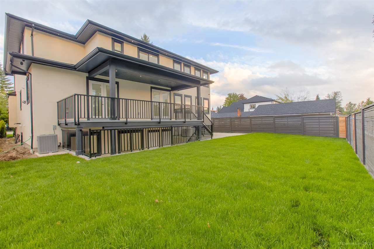 """Photo 19: Photos: 822 GATENSBURY Street in Coquitlam: Harbour Chines House for sale in """"HARBOUR CHINES"""" : MLS®# R2386227"""