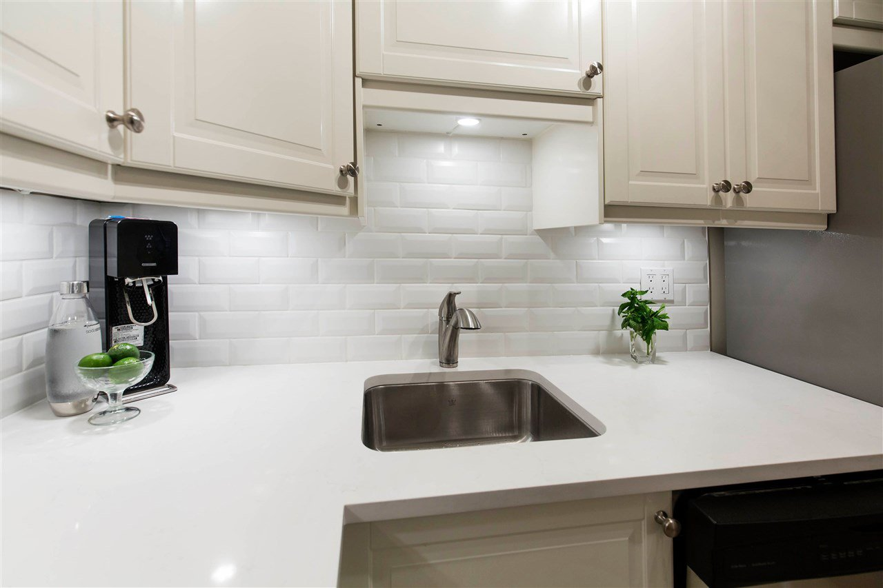 """Main Photo: 206 1775 W 10TH Avenue in Vancouver: Fairview VW Condo for sale in """"Stanford Court"""" (Vancouver West)  : MLS®# R2456403"""