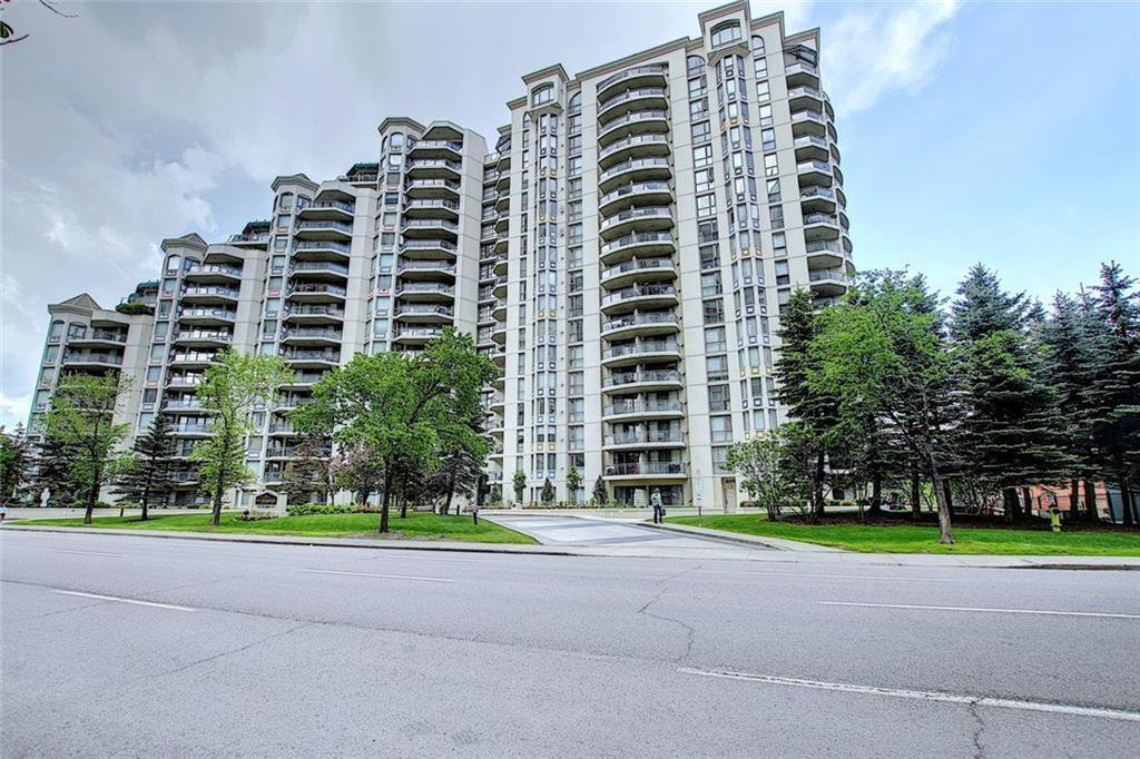 Main Photo: 113 1108 6 Avenue SW in Calgary: Downtown West End Apartment for sale : MLS®# C4299733