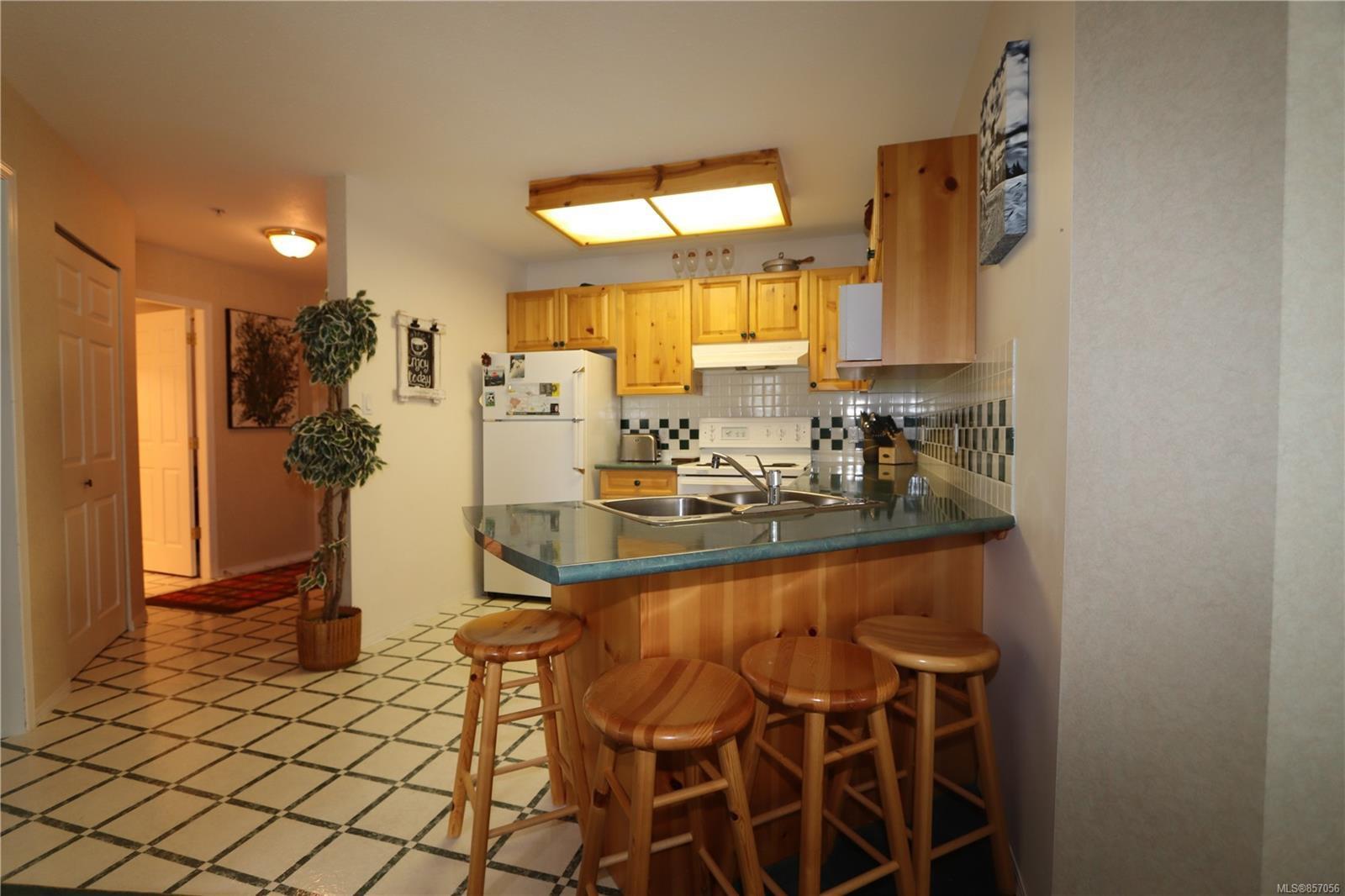 Photo 5: Photos: 118 1320 Henry Rd in : CV Mt Washington Condo for sale (Comox Valley)  : MLS®# 857056
