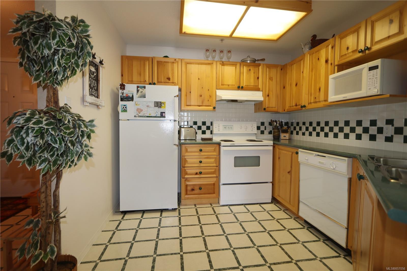 Photo 10: Photos: 118 1320 Henry Rd in : CV Mt Washington Condo for sale (Comox Valley)  : MLS®# 857056