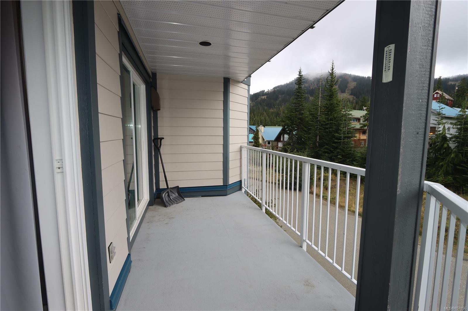 Photo 2: Photos: 118 1320 Henry Rd in : CV Mt Washington Condo for sale (Comox Valley)  : MLS®# 857056