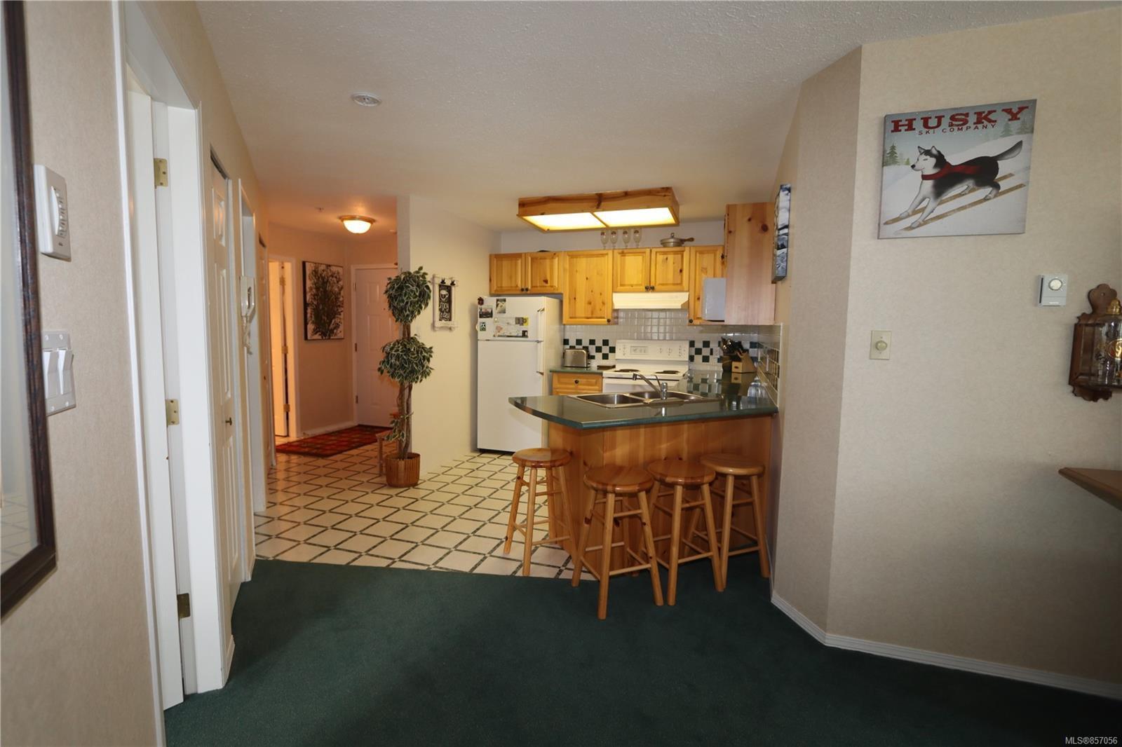Photo 3: Photos: 118 1320 Henry Rd in : CV Mt Washington Condo for sale (Comox Valley)  : MLS®# 857056