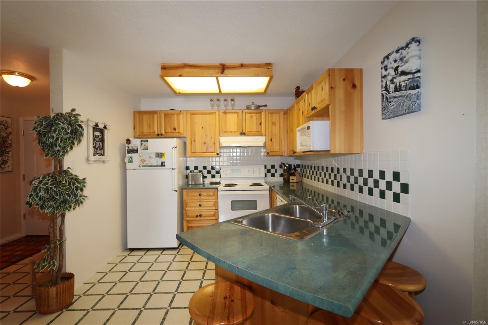 Photo 7: Photos: 118 1320 Henry Rd in : CV Mt Washington Condo for sale (Comox Valley)  : MLS®# 857056