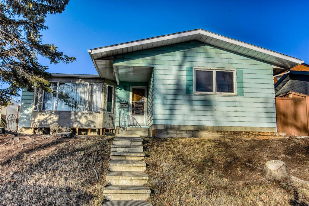 Main Photo: 3620 58 Avenue SW in Calgary: Lakeview Detached for sale : MLS®# A1053407