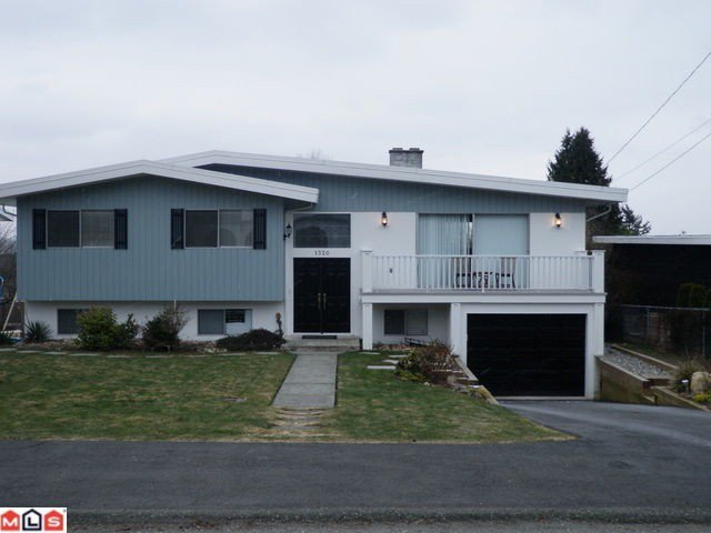 Main Photo: 1320 PARKER Street: White Rock House for sale (South Surrey White Rock)  : MLS®# F1105533
