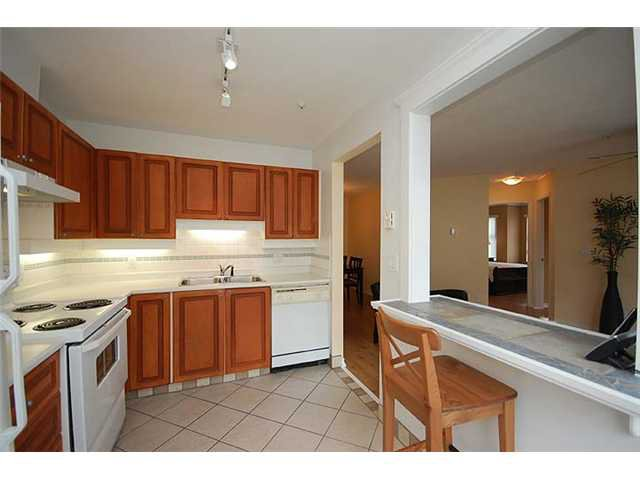 """Photo 6: Photos: 401 1032 QUEENS Avenue in New Westminster: Uptown NW Condo for sale in """"QUEENS TERRACE - Port of Call"""" : MLS®# V884469"""