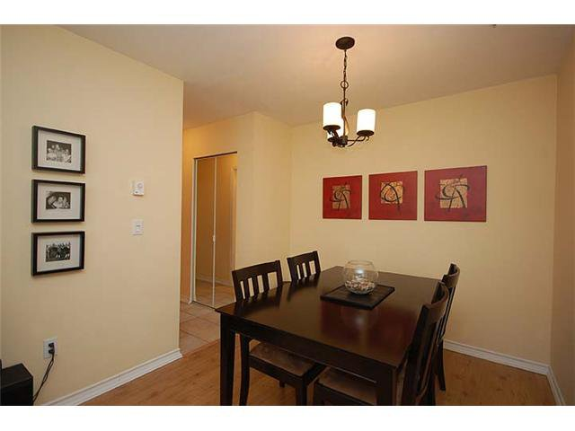"""Photo 2: Photos: 401 1032 QUEENS Avenue in New Westminster: Uptown NW Condo for sale in """"QUEENS TERRACE - Port of Call"""" : MLS®# V884469"""