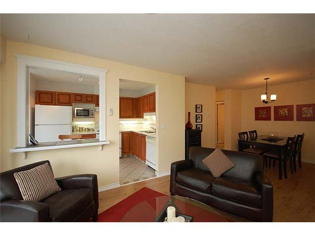"""Photo 5: Photos: 401 1032 QUEENS Avenue in New Westminster: Uptown NW Condo for sale in """"QUEENS TERRACE - Port of Call"""" : MLS®# V884469"""
