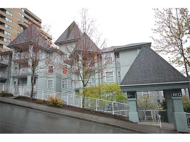 "Main Photo: 401 1032 QUEENS Avenue in New Westminster: Uptown NW Condo for sale in ""QUEENS TERRACE - Port of Call"" : MLS®# V884469"