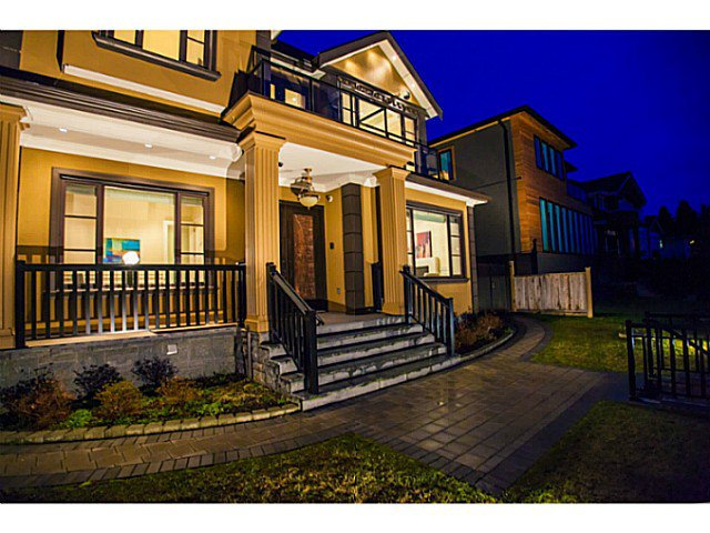 """Main Photo: 2576 EDGAR CR in Vancouver: Quilchena House for sale in """"QUILCHENA"""" (Vancouver West)  : MLS®# V1038784"""