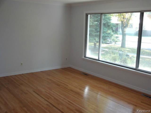Photo 3: Photos: 99 Lennox Avenue in WINNIPEG: St Vital Residential for sale (South East Winnipeg)  : MLS®# 1424381