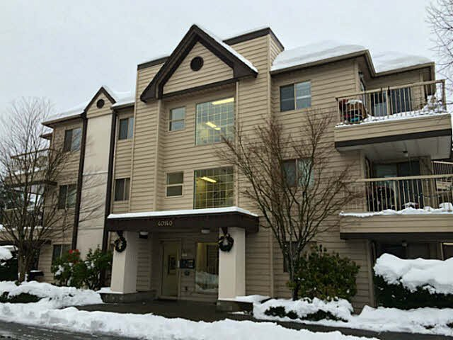"""Main Photo: C204 40140 WILLOW Crescent in Squamish: Garibaldi Estates Condo for sale in """"DIAMOND HEAD"""" : MLS®# V1097679"""