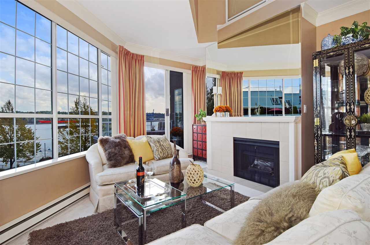 "Main Photo: 404 1150 QUAYSIDE Drive in New Westminster: Quay Condo for sale in ""WESTPORT"" : MLS®# R2000453"