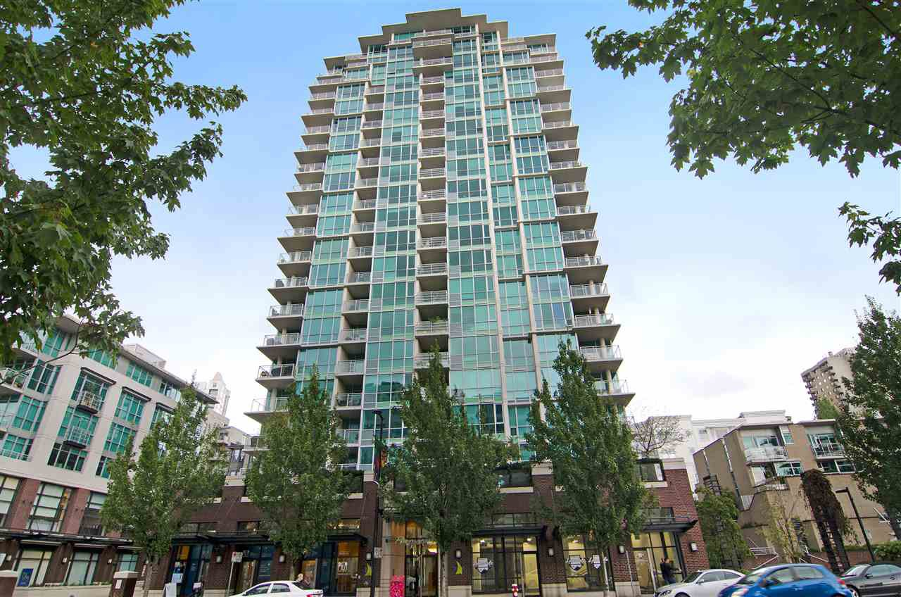 "Main Photo: 502 138 E ESPLANADE in North Vancouver: Lower Lonsdale Condo for sale in ""Premier at the Pier"" : MLS®# R2108976"
