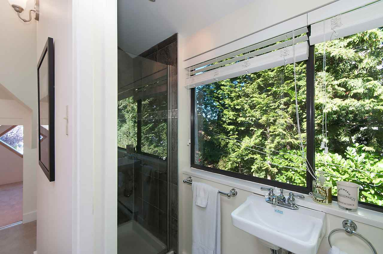 "Photo 15: Photos: 1 1820 BAYSWATER Street in Vancouver: Kitsilano Townhouse for sale in ""TATLOW COURT"" (Vancouver West)  : MLS®# R2111022"
