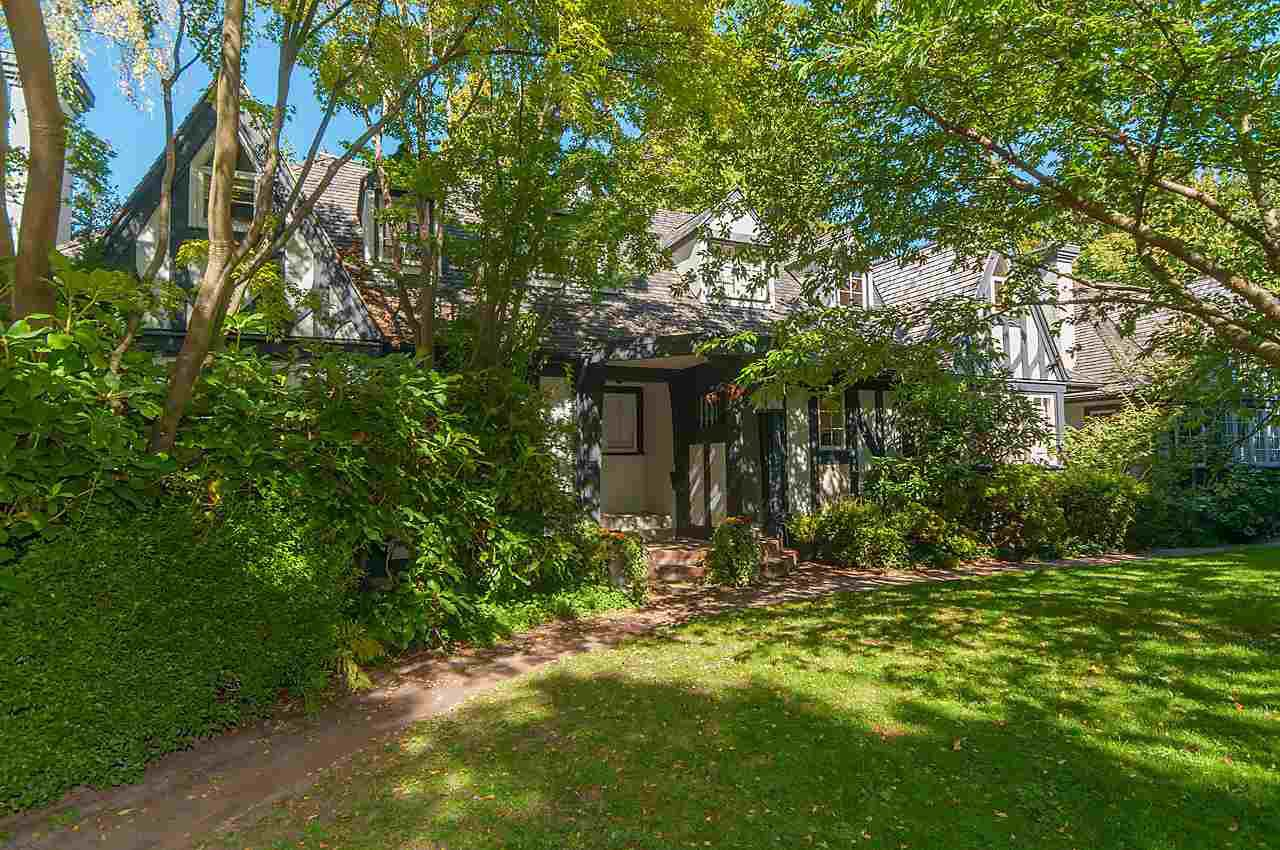 "Main Photo: 1 1820 BAYSWATER Street in Vancouver: Kitsilano Townhouse for sale in ""TATLOW COURT"" (Vancouver West)  : MLS®# R2111022"