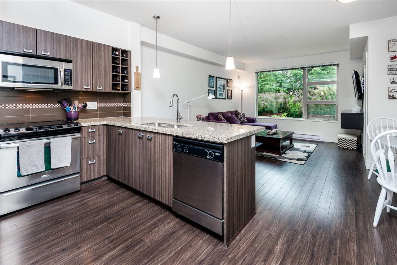 Main Photo: 112 709 TWELFTH STREET in : Moody Park Condo for sale (New Westminster)  : MLS®# R2072334