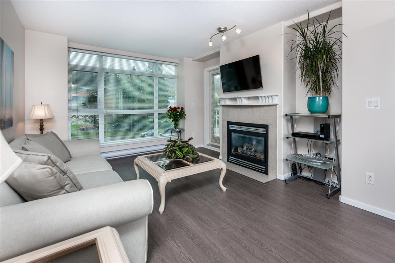 Photo 2: Photos: 321 3122 ST JOHNS STREET in Port Moody: Port Moody Centre Condo for sale : MLS®# R2164161
