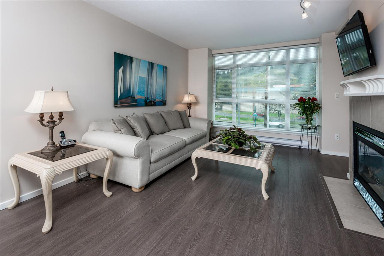 Photo 3: Photos: 321 3122 ST JOHNS STREET in Port Moody: Port Moody Centre Condo for sale : MLS®# R2164161
