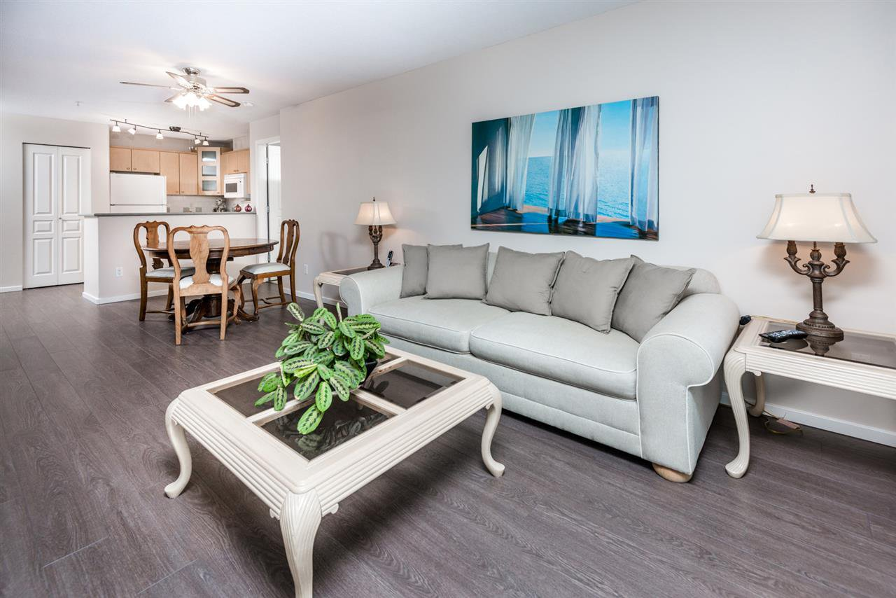 Photo 5: Photos: 321 3122 ST JOHNS STREET in Port Moody: Port Moody Centre Condo for sale : MLS®# R2164161