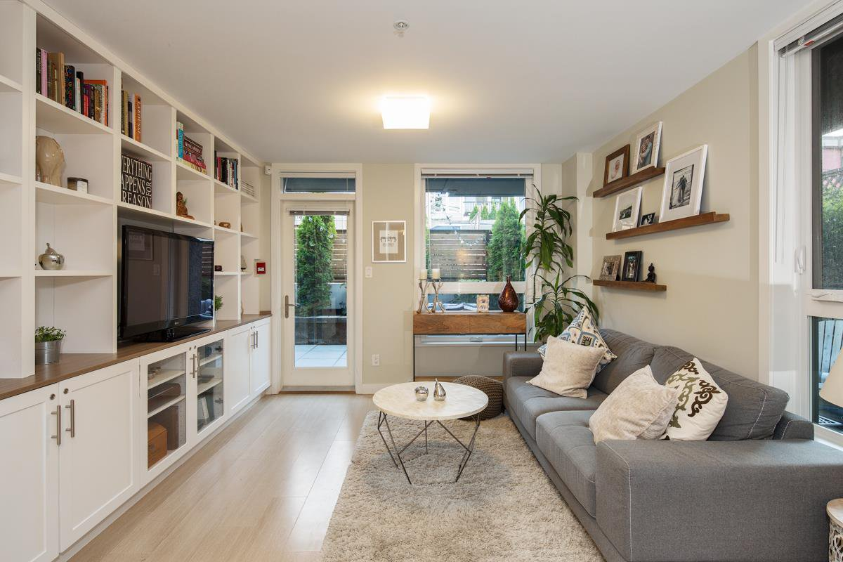"""Main Photo: 101 562 E 7TH Avenue in Vancouver: Mount Pleasant VE Condo for sale in """"8 ON 7"""" (Vancouver East)  : MLS®# R2212235"""