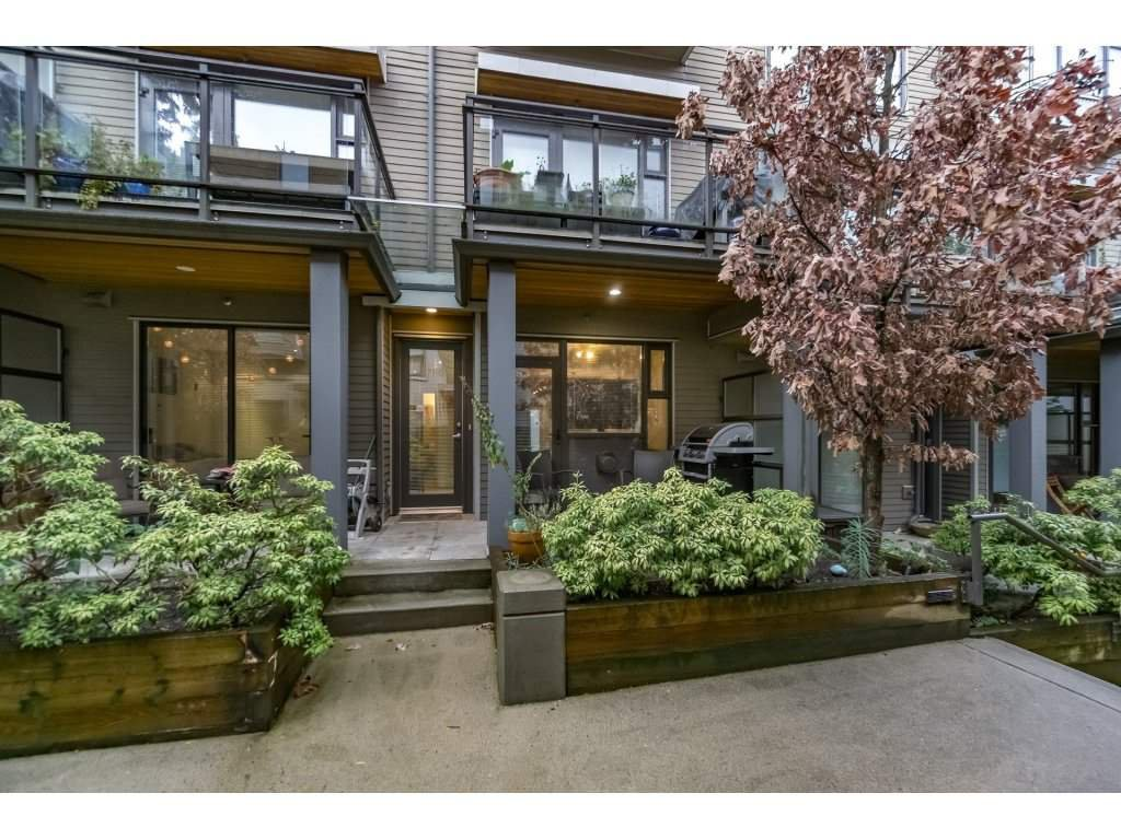Main Photo: 3760 COMMERCIAL Street in Vancouver: Victoria VE Townhouse for sale (Vancouver East)  : MLS®# R2222619