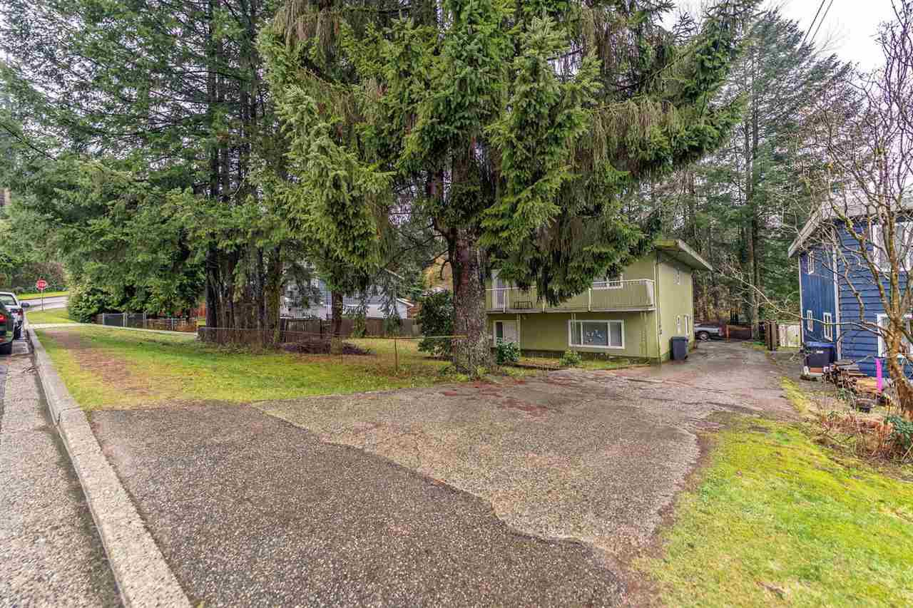Main Photo: 3374 VIEWMOUNT Drive in Port Moody: Port Moody Centre House for sale : MLS®# R2238764