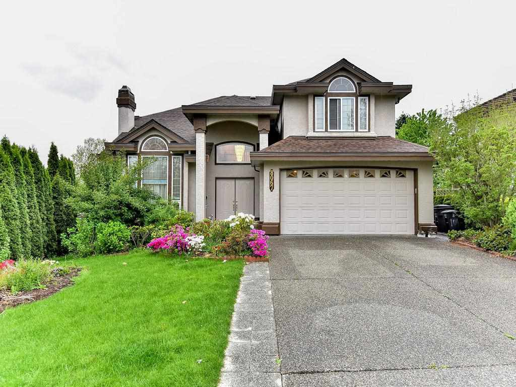 Main Photo: 8067 REDTAIL COURT in : Bear Creek Green Timbers House for sale : MLS®# R2059961