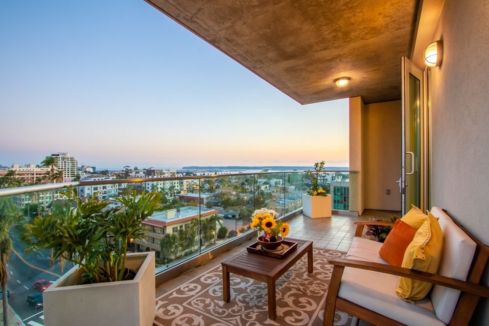Main Photo: MISSION HILLS Condo for sale : 2 bedrooms : 3415 6Th Ave #9 in San Diego