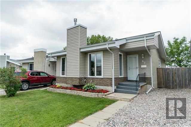 Main Photo: 67 Strand Circle in Winnipeg: River Park South Residential for sale (2F)  : MLS®# 1820526