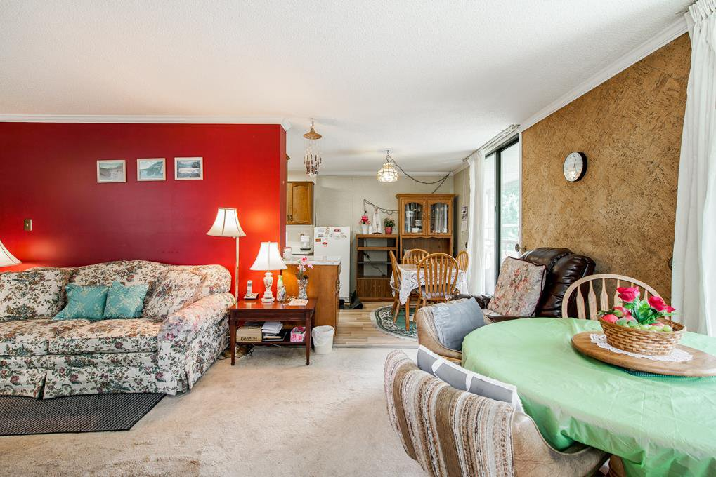 """Photo 5: Photos: 504 3737 BARTLETT Court in Burnaby: Sullivan Heights Condo for sale in """"TIMBERLEA """"THE MAPLES"""""""" (Burnaby North)  : MLS®# R2311296"""