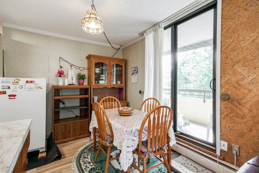 """Photo 7: Photos: 504 3737 BARTLETT Court in Burnaby: Sullivan Heights Condo for sale in """"TIMBERLEA """"THE MAPLES"""""""" (Burnaby North)  : MLS®# R2311296"""