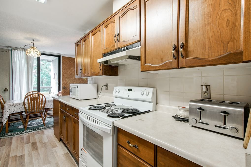 """Photo 11: Photos: 504 3737 BARTLETT Court in Burnaby: Sullivan Heights Condo for sale in """"TIMBERLEA """"THE MAPLES"""""""" (Burnaby North)  : MLS®# R2311296"""