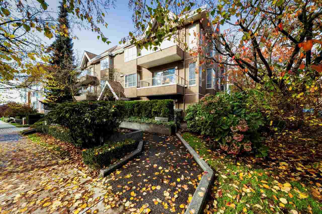 "Main Photo: 103 751 CHESTERFIELD Avenue in North Vancouver: Central Lonsdale Condo for sale in ""9 Gables"" : MLS®# R2320728"